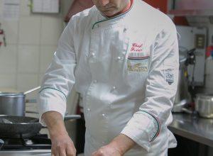 staff ristorante peucezia castellaneta (9)